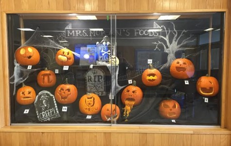 Foods For Today Class Holds Pumpkin Carving Contest